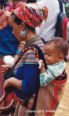 Flower Hmong Mom Baby 4