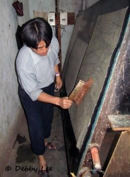 Bhutanese Handmade Paper Brushing