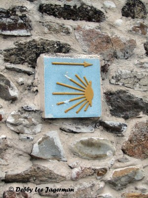 Camino de Santiago Scallop Shells Yellow Arrows Tiles