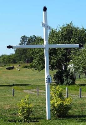 Ile d'Orleans Roadside Cross White