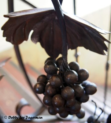 La Forge a Pique Assaut Ile d'Orleans Blacksmith Grapes