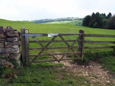 Cotswolds Gate Please Close