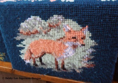 Cotswolds Kneeling Pillows Fox