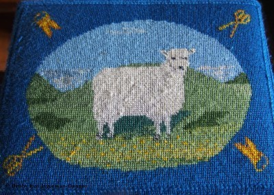 Cotswolds Kneeling Pillows Sheep