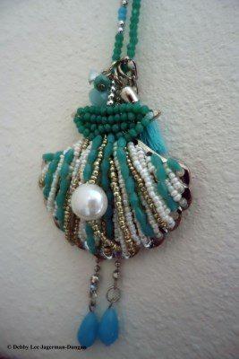 Camino de Santiago Souvenirs Scallop Shell Beads