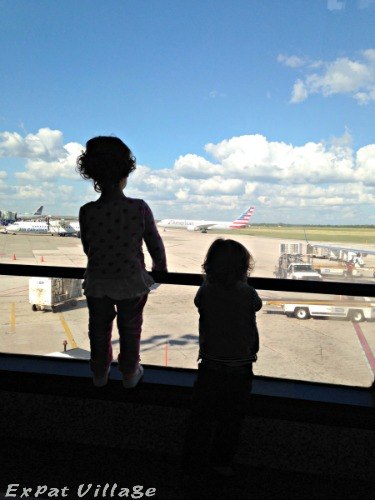 Look, Mommy… a Plane: InstAbroadMoment 9