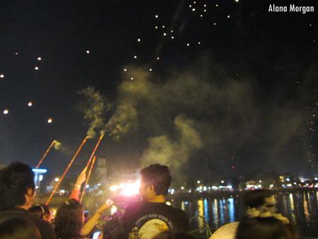 Loi Krathong Fireworks - Chiang Mai