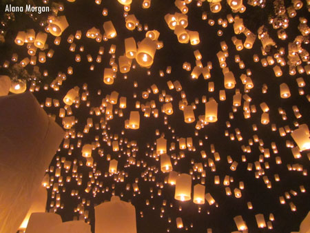 your guide to loi krathong thailand s lantern festival