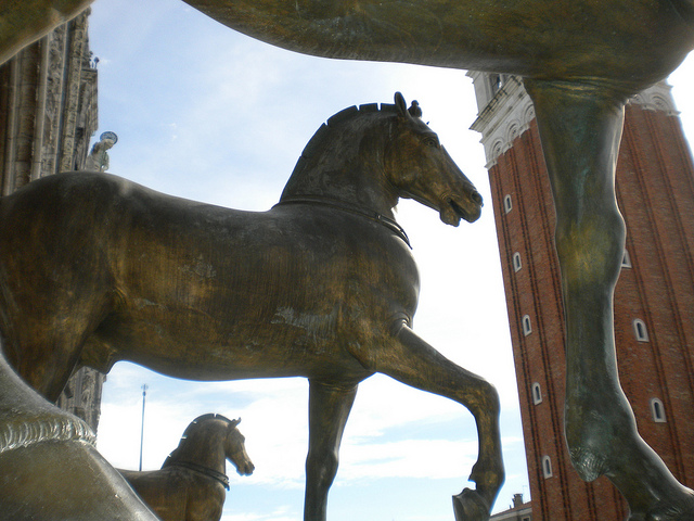 Scientific dating of the horses of san marco