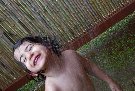 Outdoor shower glee