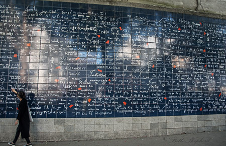 Le mur des je t'aime–Wall of I love you