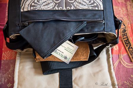 Cardpouch in Porteen bag
