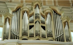 church-organ-1-250-x-154