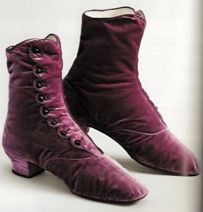 button boots (287 x 300)