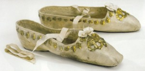 coronation shoes 3 (300 x 147)
