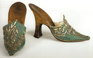 mule slippers (300 x 187)