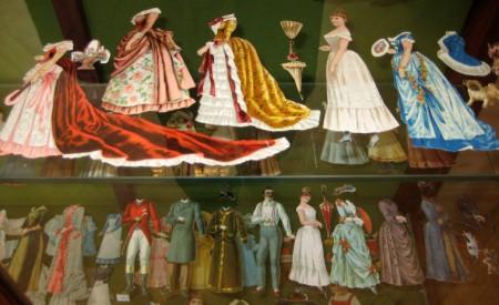 paper dolls 6 (450 x 275)