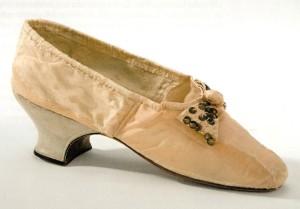 silk shoe (300 x 209)