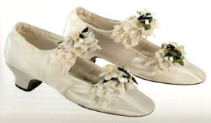 wedding shoes (300 x 176)