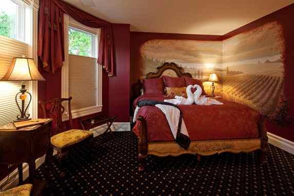Vine & Roses Burgundy Suite