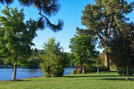 Drake Park and Deschutes River