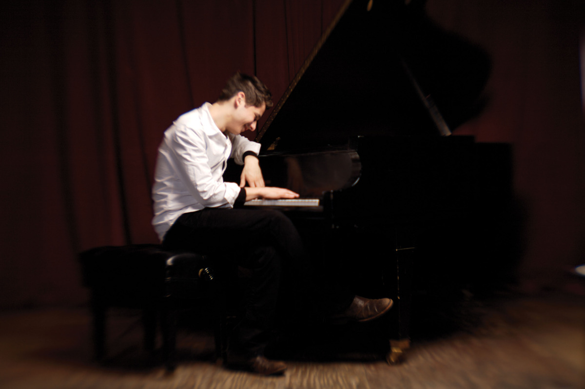 Piano sensation Eldar Djangirov at Jazz Alley
