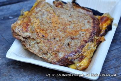 Pesto cheese grilled sandwich