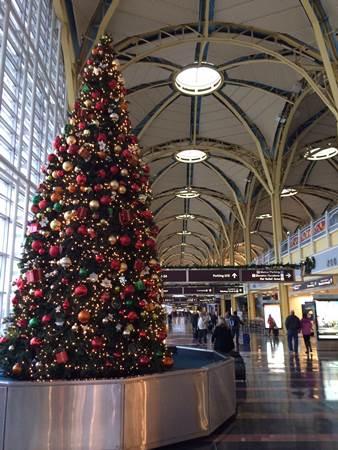 Christmas Tree DCA National Airport