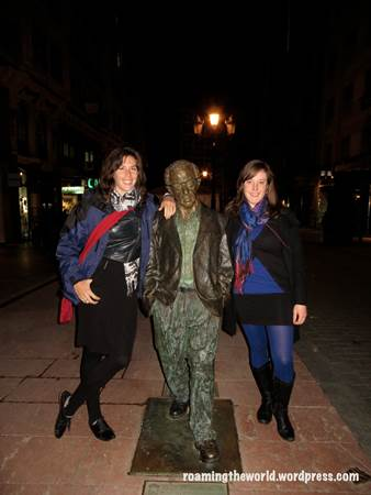Posing wih Woody Allen