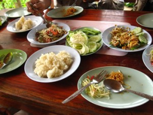 A simple lunch of phat thai and som tam