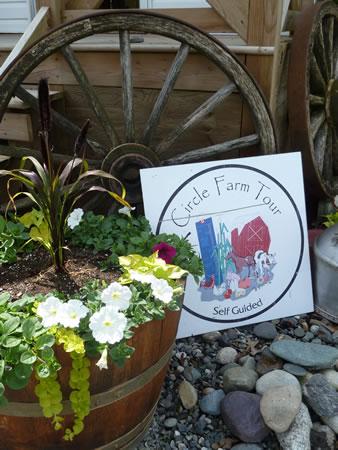 circle farm tour sign BC