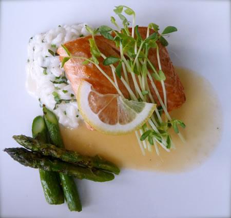Rockwater salmon plate