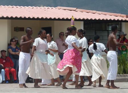 Afro-Ecuadorian-dancing