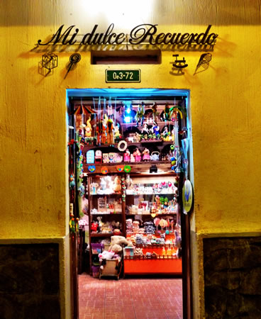 An Enchanting Evening Stroll on Quito's Calle la Ronda