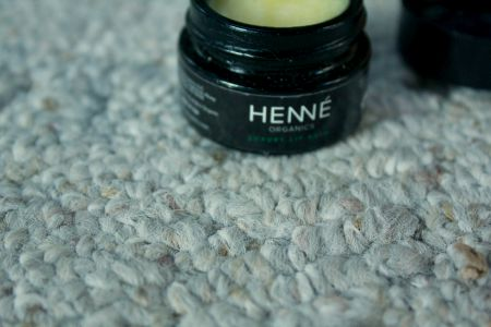 Henné Organics Luxury Lip Balm Review