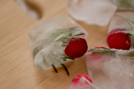 Cranberry ice cube
