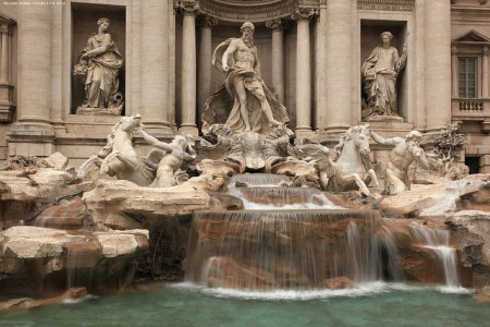 Rome'sTreviFountainDarkRomeToursandWalksflickr (450 x 300)