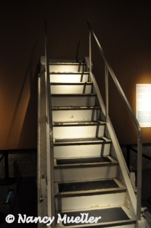 Boeing 727 aft stairs