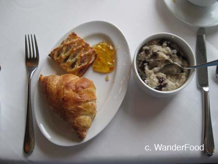 Aerie Breakfast