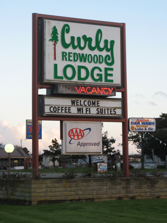 Curly Redwood Lodge, Crescent City, California