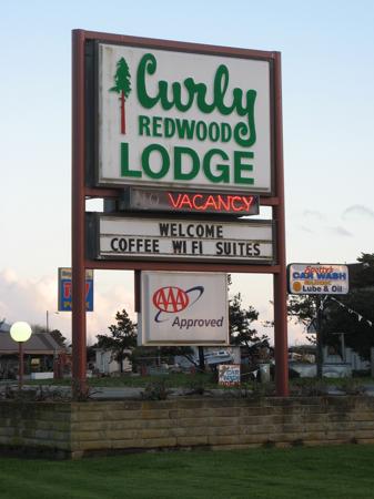 Curly Redwood Lodge, Crescent City, California