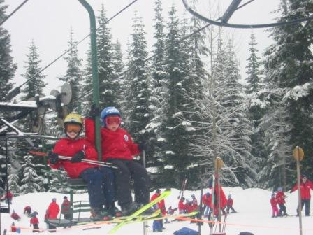 skiing-with-kids-independent-skier