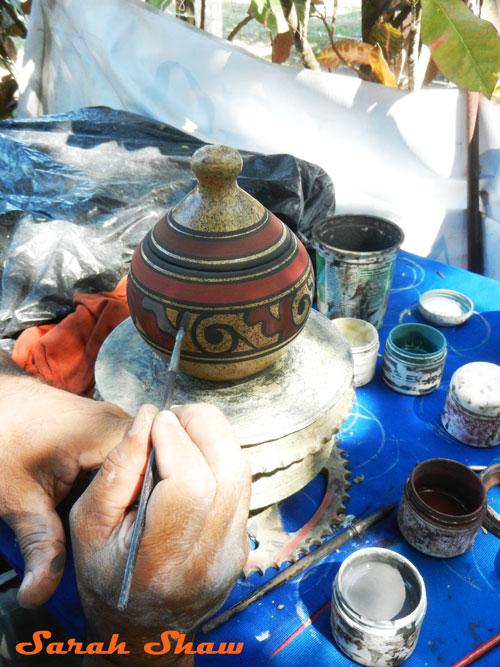 Adding colors to the Chorotega design in Guatil, Costa Rica