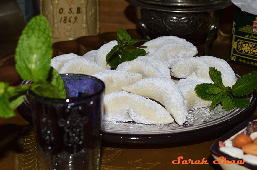 Morocco' favorite cookie - Gazelles' Horns