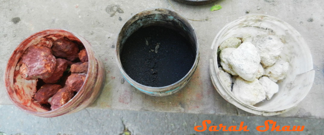 Zinc oxide, manganese and iron are used to make natural glazes