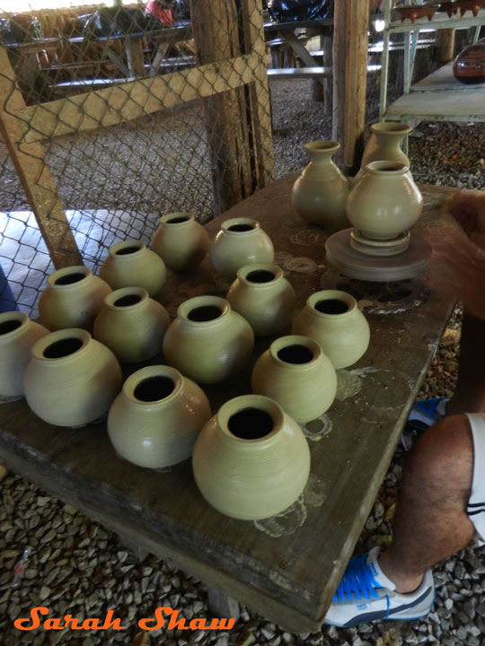 Dry pottery with Zinc Oxide Glaze in Guatil, Costa Rica