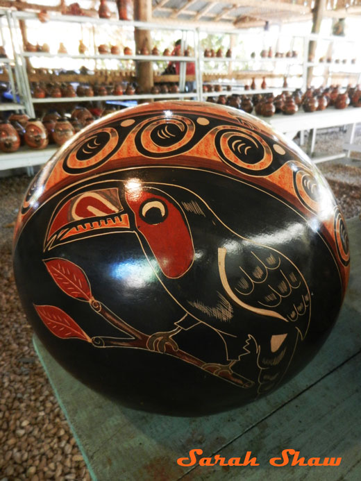 Big toucan pot from Guatil, Costa Rica