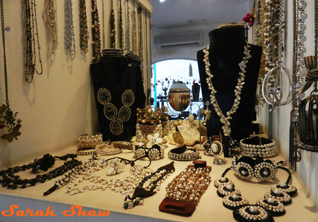 Bagus offers beautiful pearl jewelry in their boutique in Tamarindo, Costa Rica