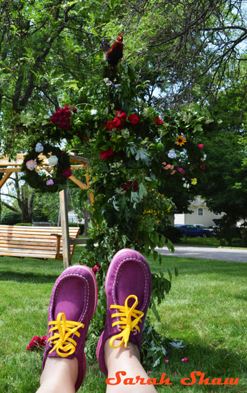 WanderShopper celebrates Mid Summer with her ECCO Mind shoes