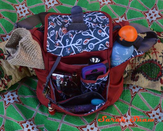 Donner Bag front pockets